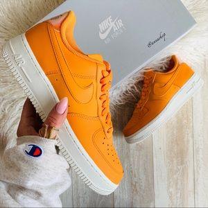 NWT Nike Air Force 1